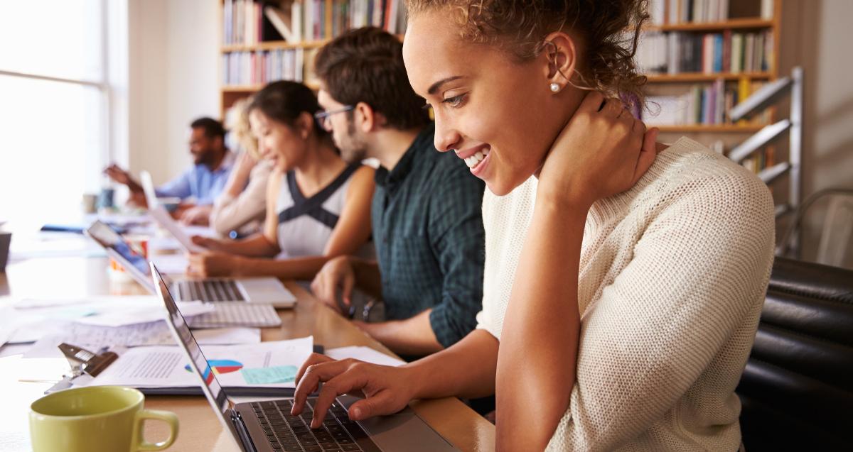 Mise en place par le gouvernement, la garantie jeunes vise à remettre les 16-25 ans esseulés au centre du marché du travail.