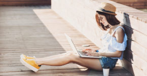 En août, n'arrêtez pas de chercher du travail ! - IStock